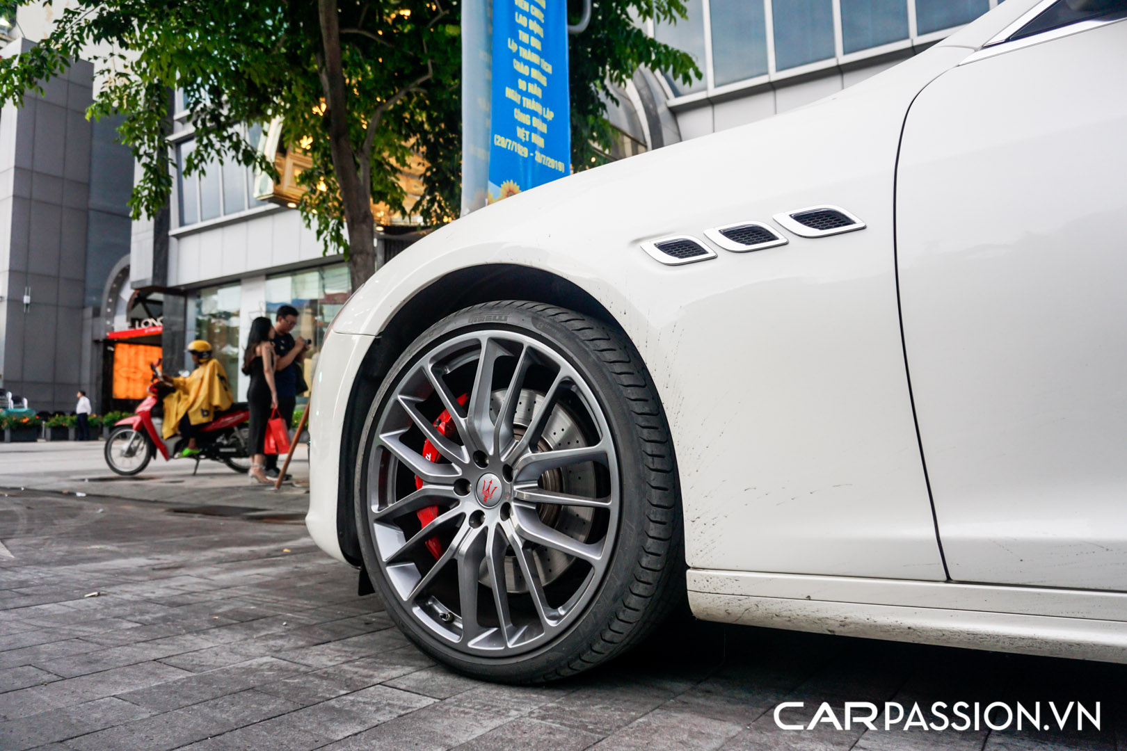CP-Maserati Quattroporte độ (15).jpg