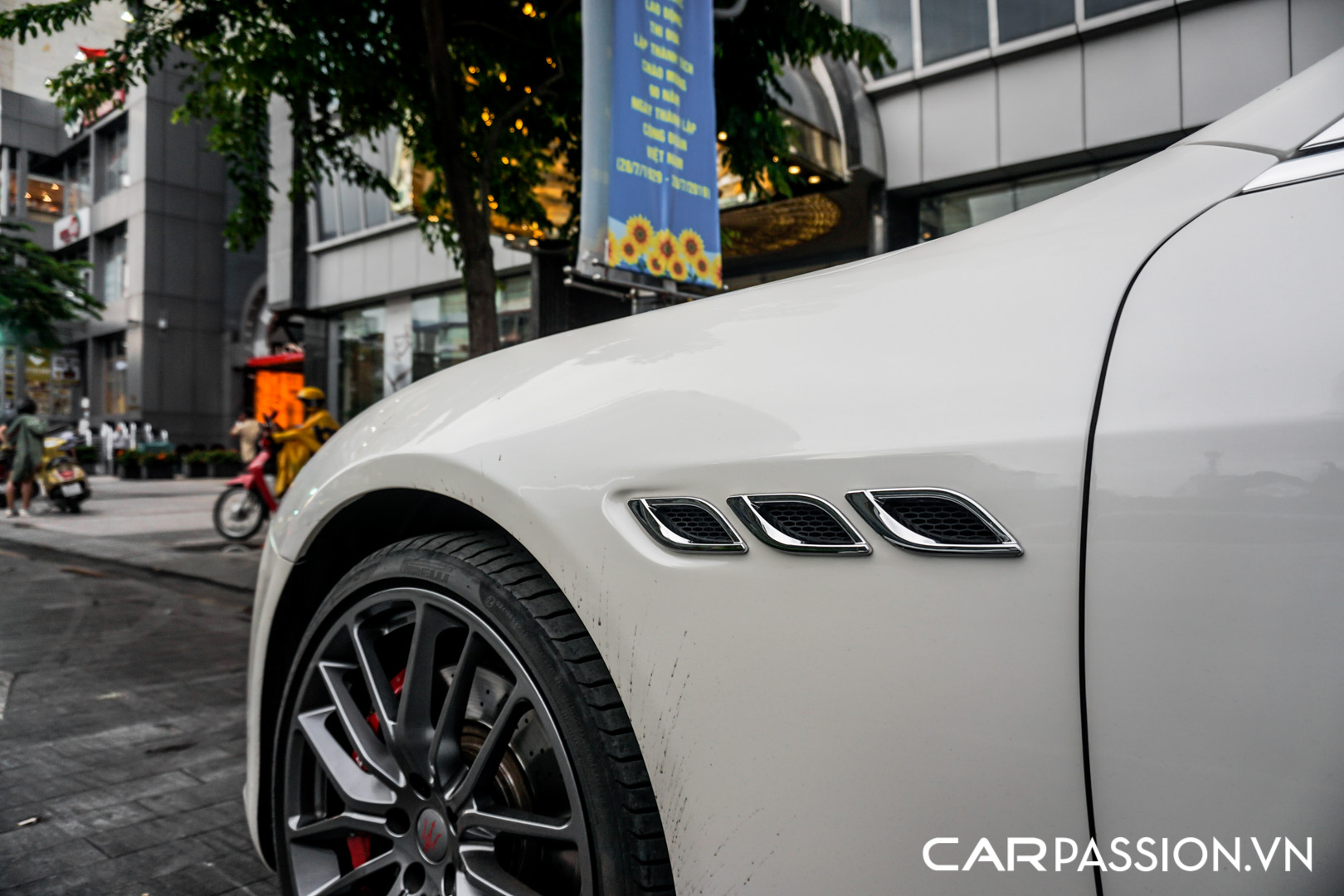 CP-Maserati Quattroporte độ (6).jpg