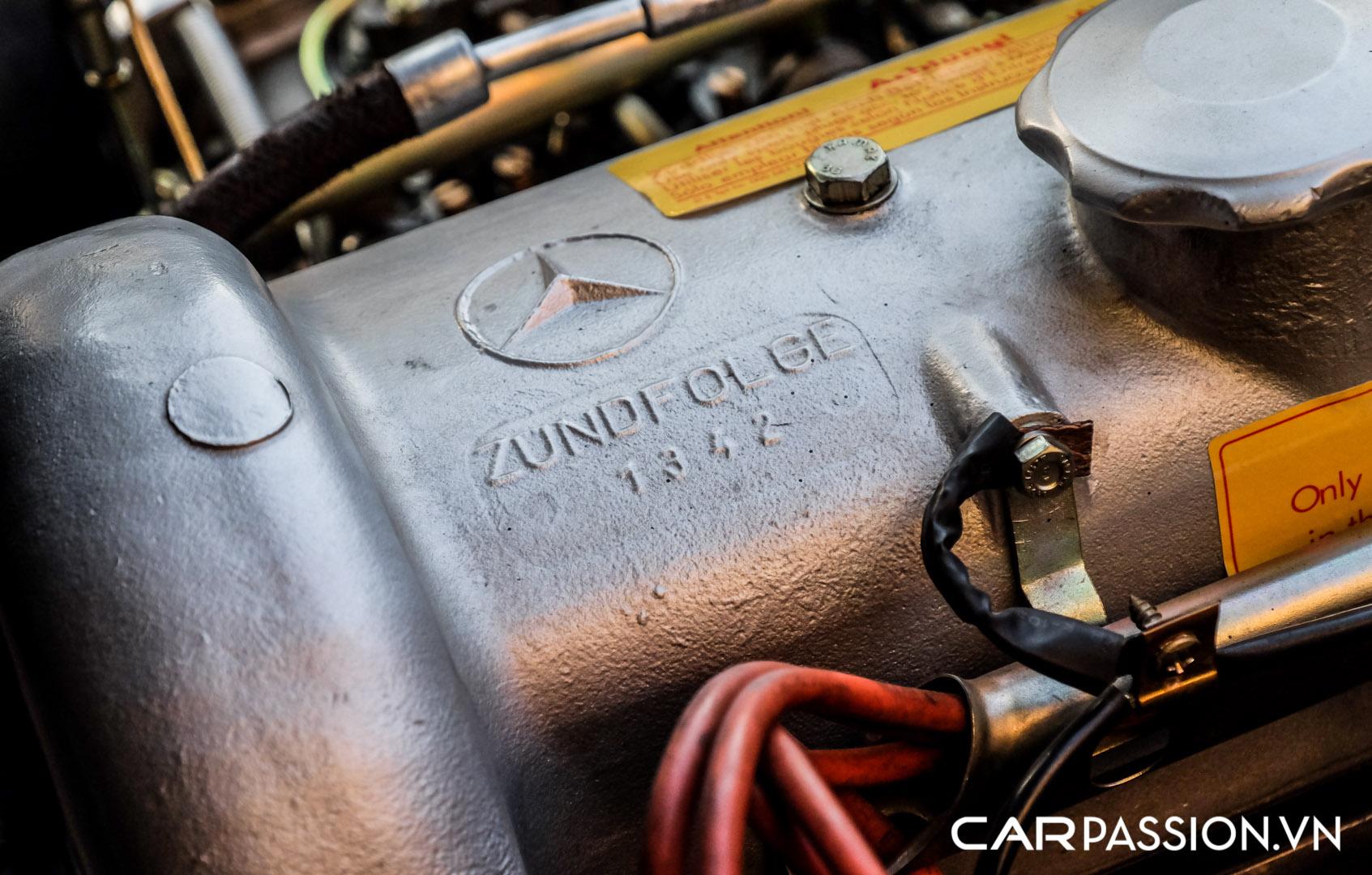 CP-Mercedes-Benz 190SL (38).jpg