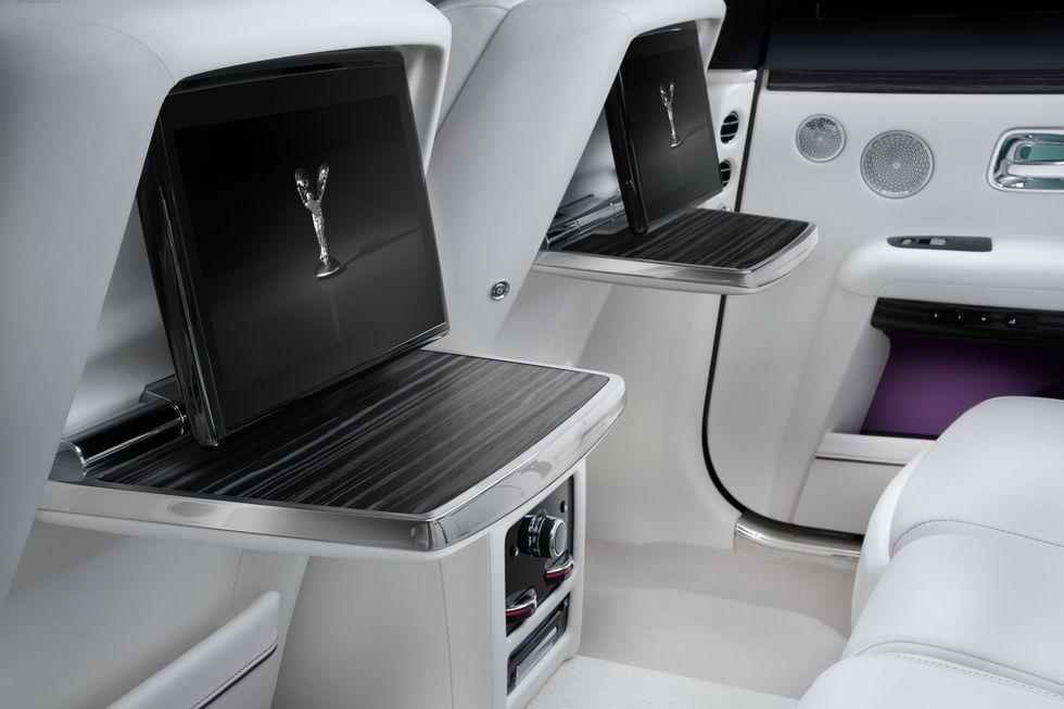 Điểm-qua-giá-bán-một-số-tùy-chọn-trên-Rolls-Royce-Ghost-thế-hệ-mới (2).jpg