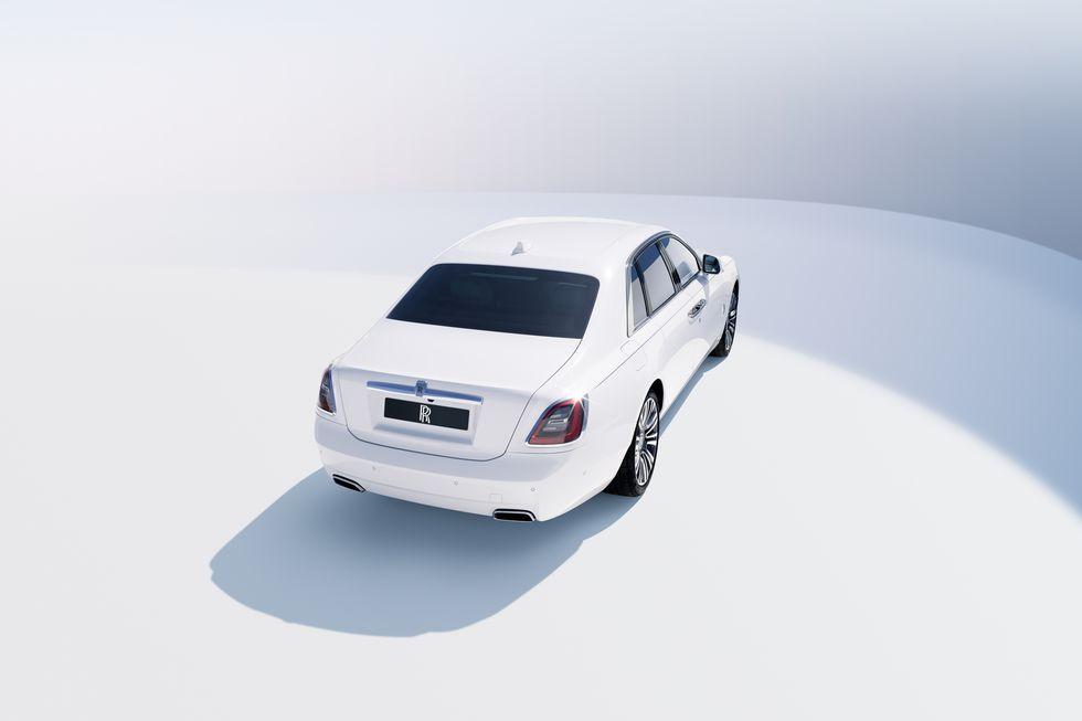 Điểm-qua-giá-bán-một-số-tùy-chọn-trên-Rolls-Royce-Ghost-thế-hệ-mới (5).jpg
