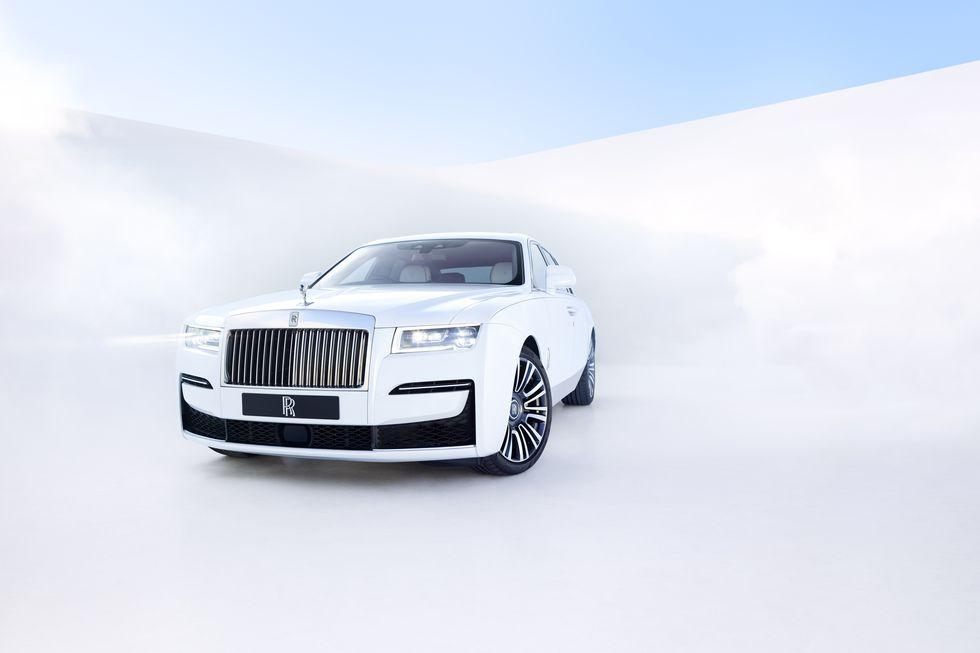 Điểm-qua-giá-bán-một-số-tùy-chọn-trên-Rolls-Royce-Ghost-thế-hệ-mới (6).jpg