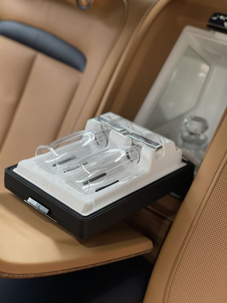 Điểm-qua-giá-bán-một-số-tùy-chọn-trên-Rolls-Royce-Ghost-thế-hệ-mới (9).jpg