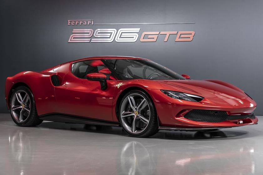 động-cơ-v6-trên-siêu-xe-Ferrari-296-GTB-có-gì-đặc-biệt (10).jpg