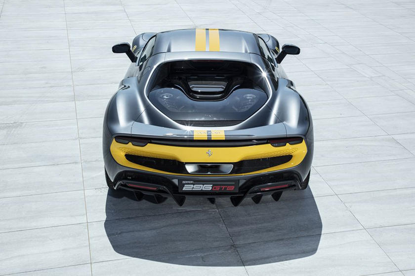 động-cơ-v6-trên-siêu-xe-Ferrari-296-GTB-có-gì-đặc-biệt (9).jpg