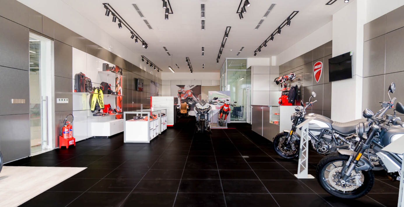 ducati-ha-noi-khai-truong-showroom-hoan-toan-moi-anh-6.jpg