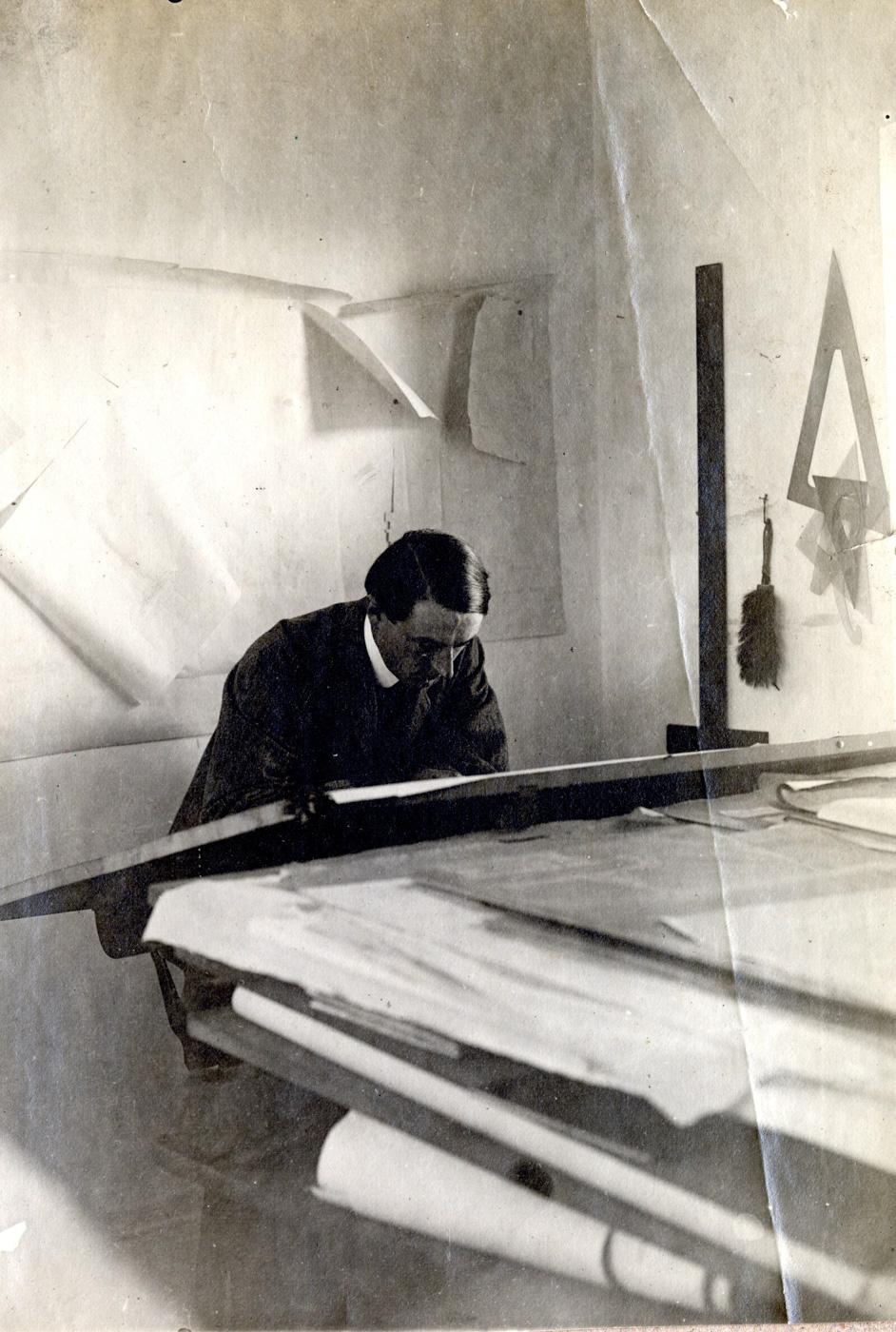 Ettore Bugatti (5).JPG