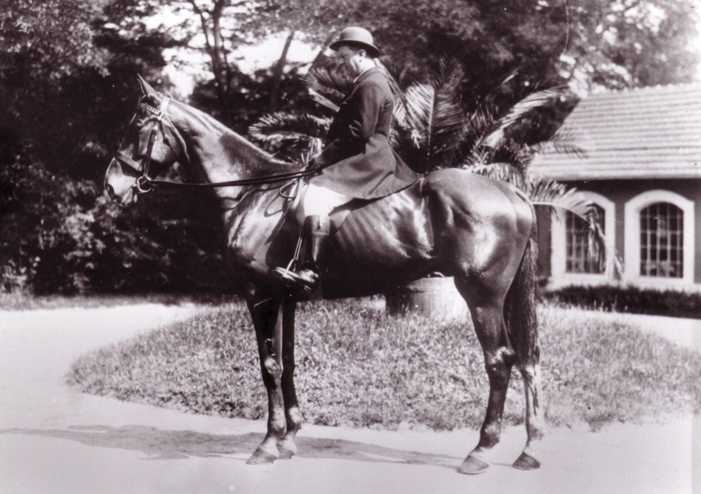 Ettore Bugatti (7).JPG
