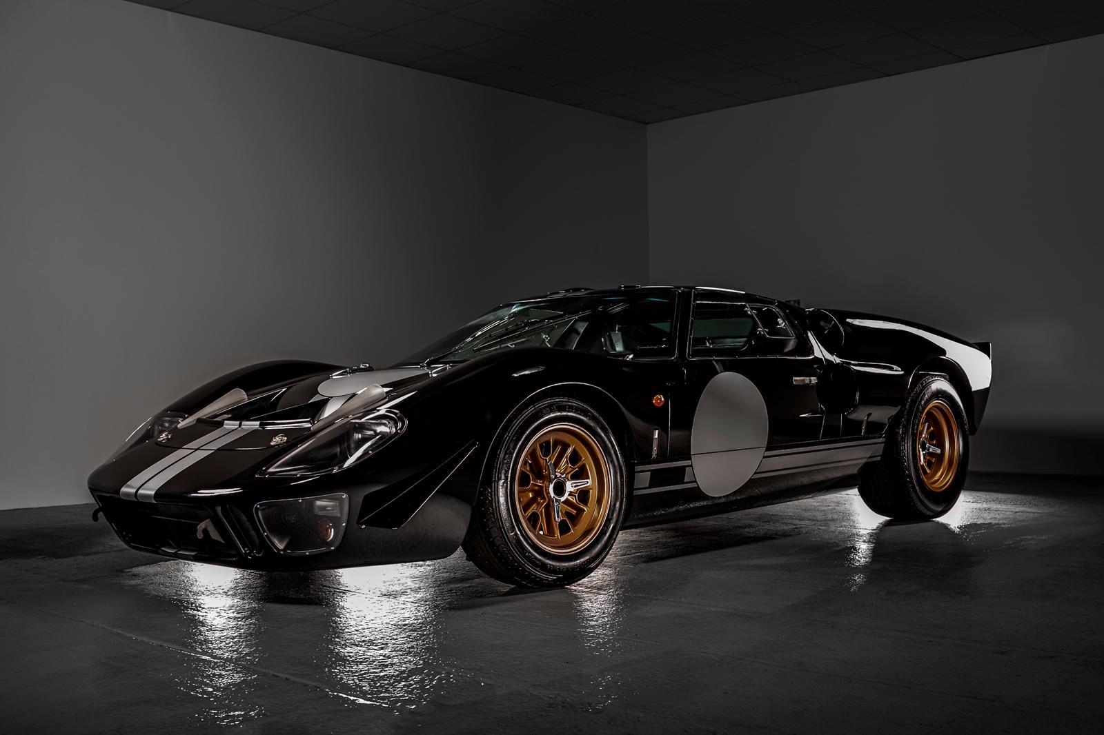 Everrati-điện-hóa-xe-đua-huyền-thoại-Ford-GT40 (1).jpg