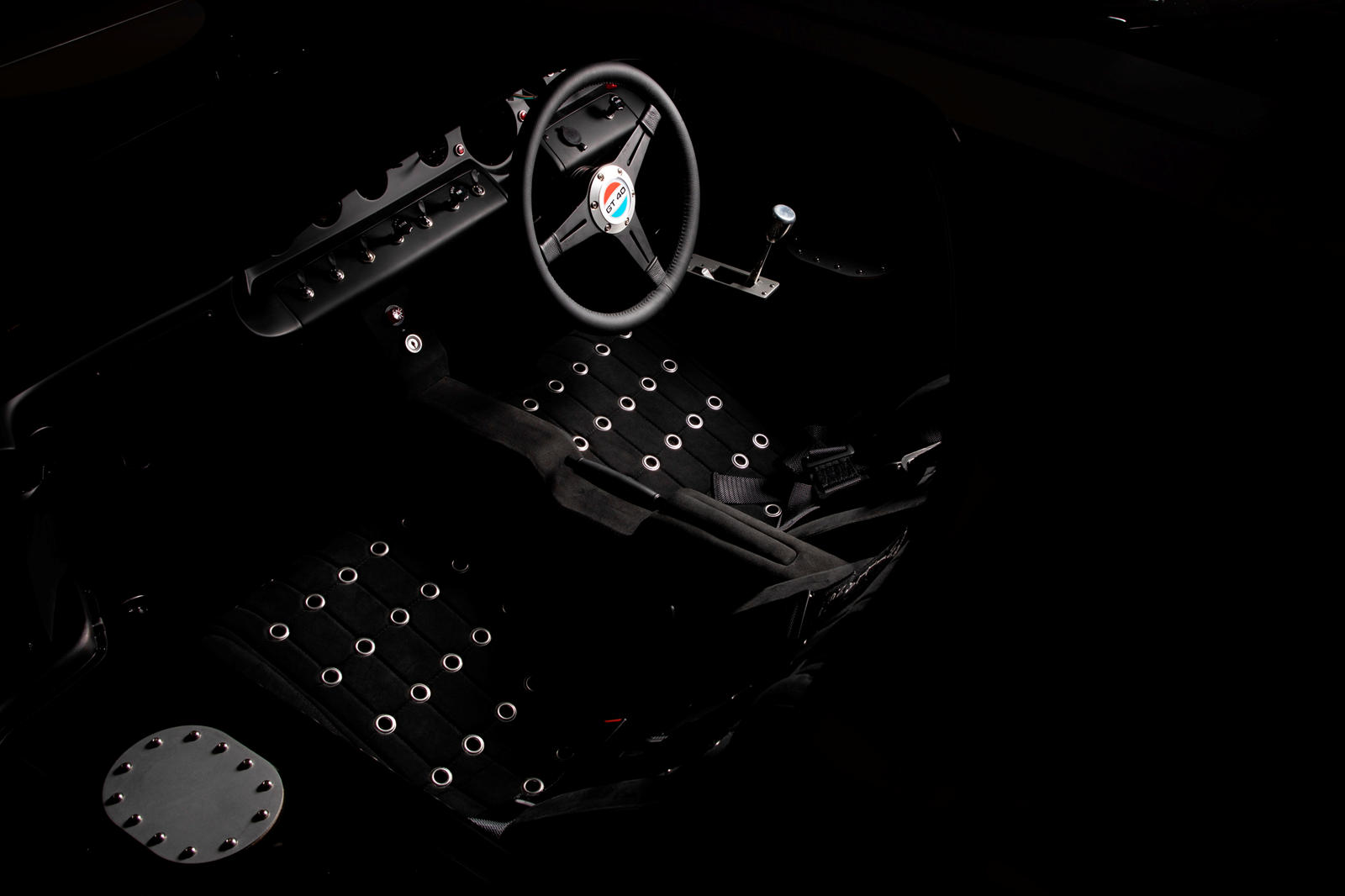 Everrati-điện-hóa-xe-đua-huyền-thoại-Ford-GT40 (7).jpg