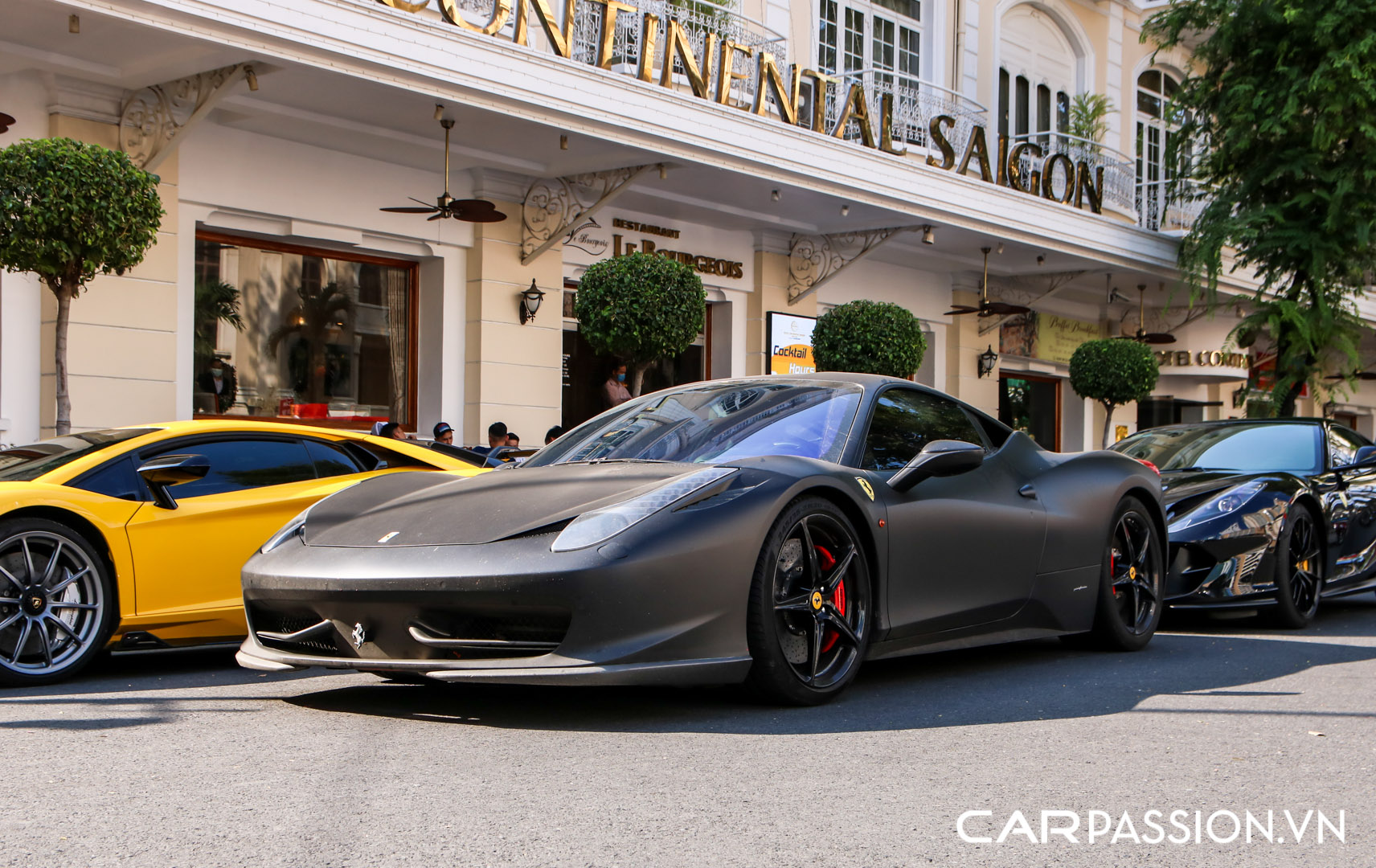 Ferrari 458 Italia đen mờ1.JPG