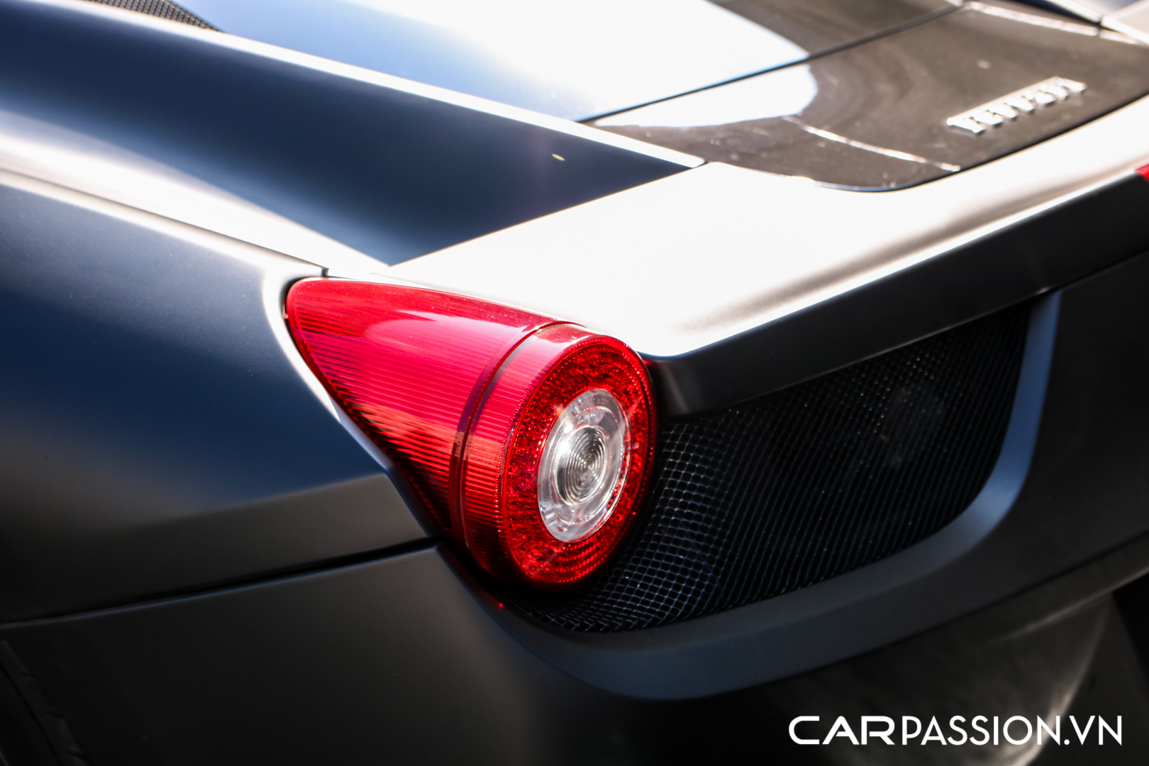 Ferrari 458 Italia đen mờ7.JPG