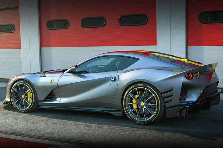 Ferrari-812-giới-hạn-ra-mắt (4).jpg