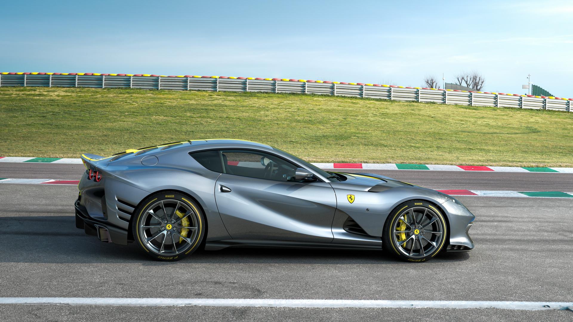 Ferrari-812-giới-hạn-ra-mắt (8).jpg