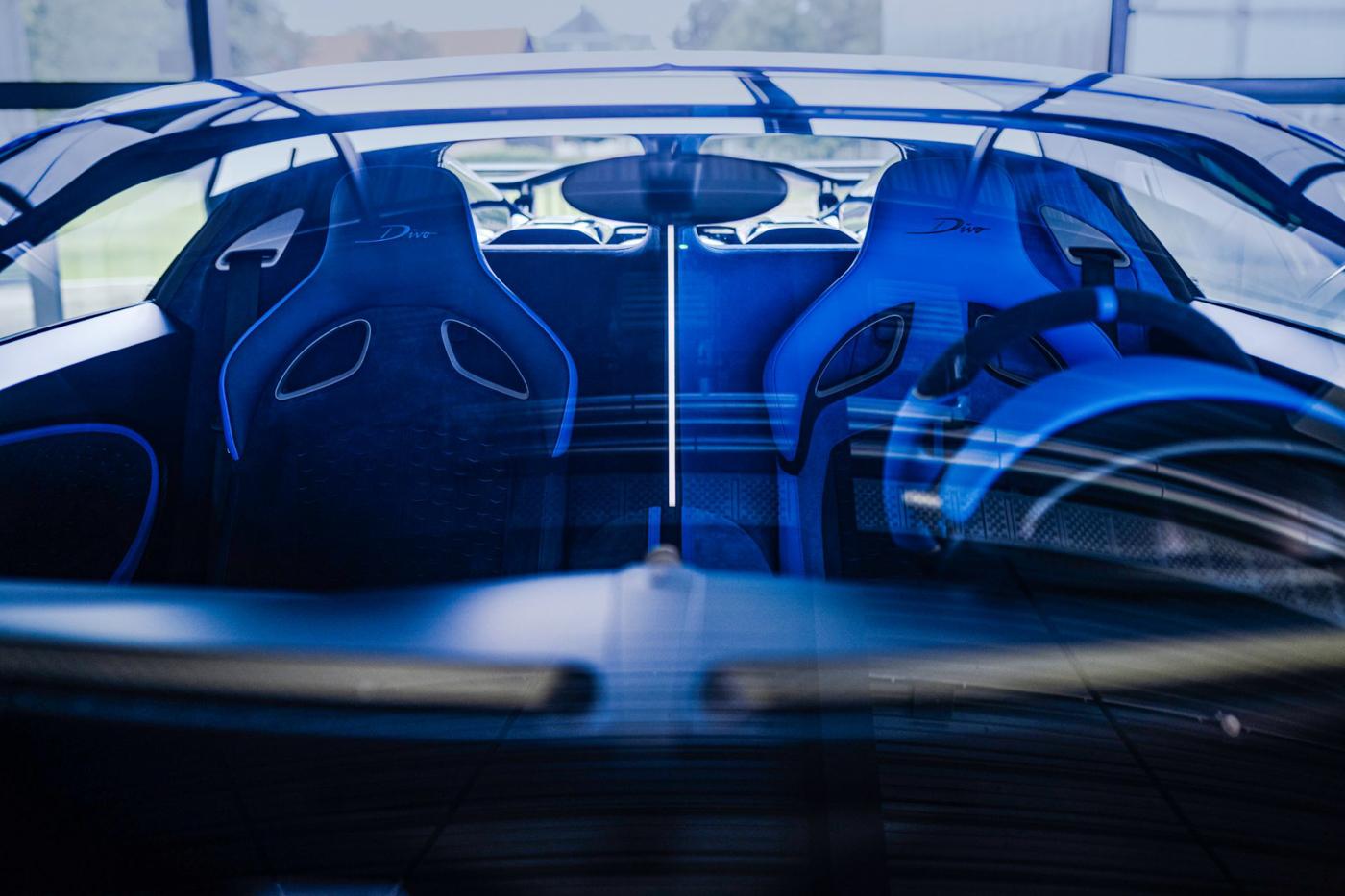 Final Bugatti Divo (2).JPG