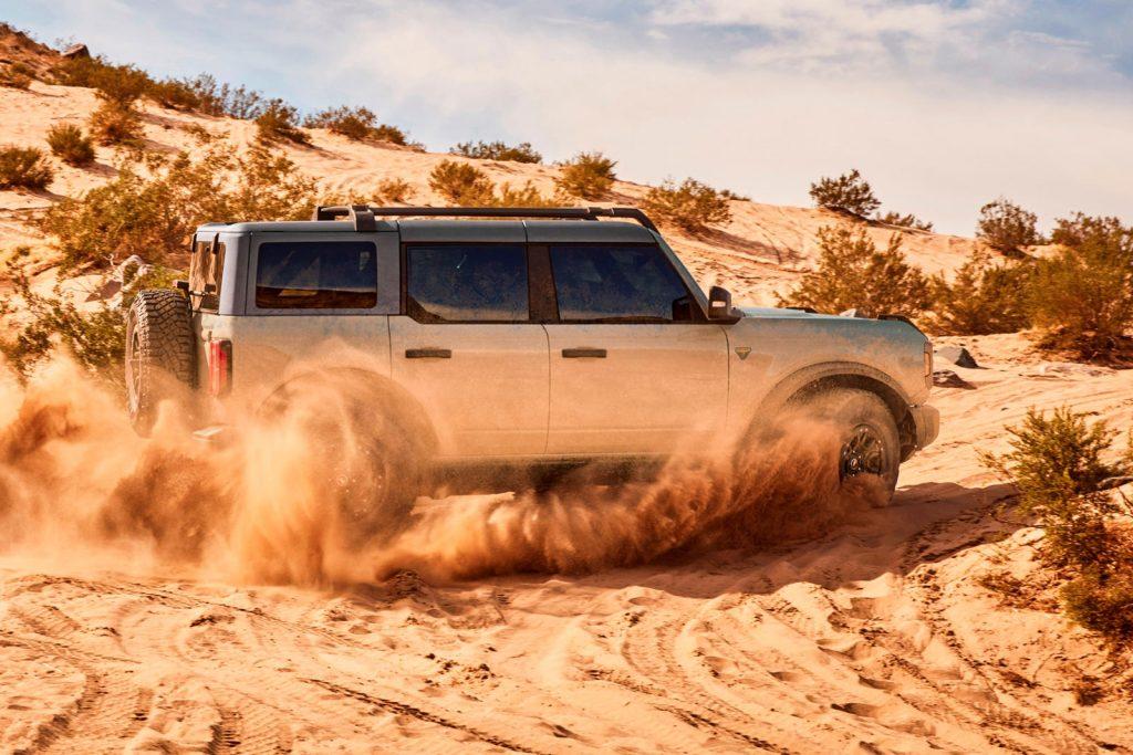 Ford-Bronco-2021-giành-giải-thưởng-thiết-kế-danh-giá (2).jpg