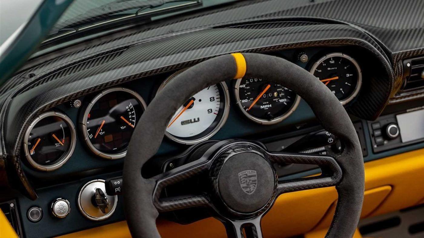 Gunther Werks 993 Speedster (4).JPG