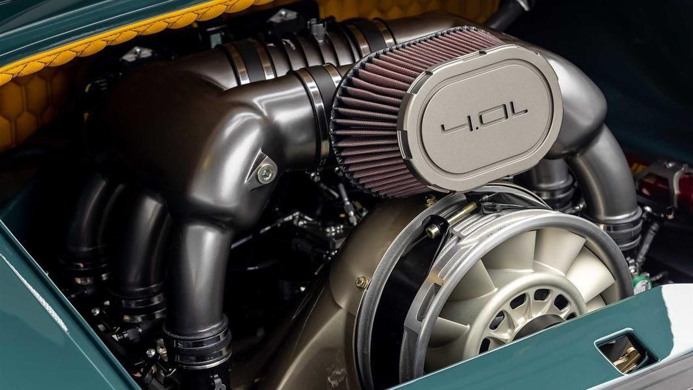 Gunther Werks 993 Speedster (5).JPG