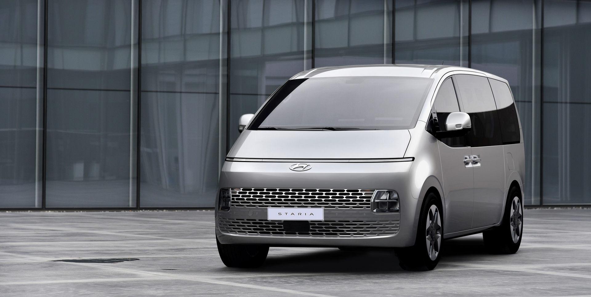 Hyundai-Staria-1 (1).jpg