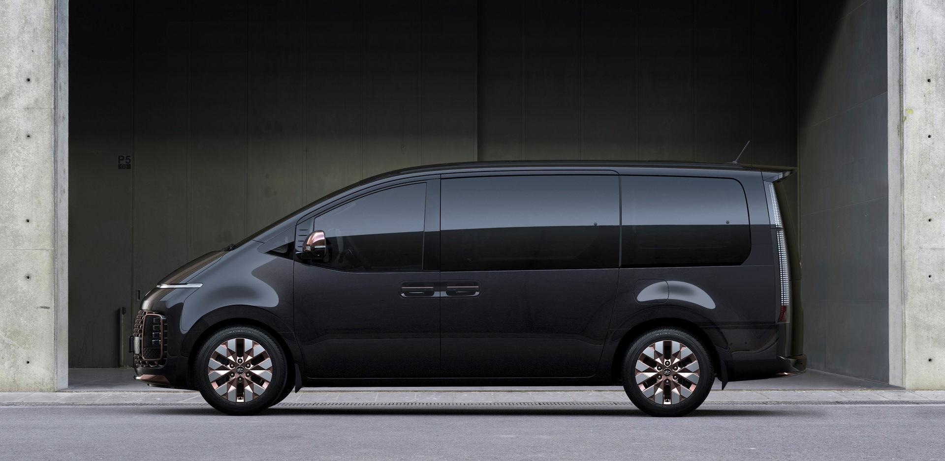 Hyundai-Staria-7 (1).jpg