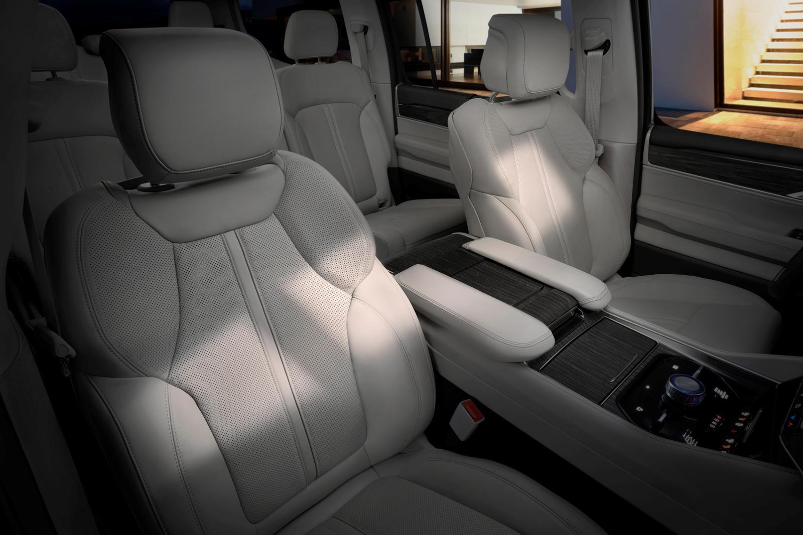 Jeep-Wagoneer-2022 (23).jpg