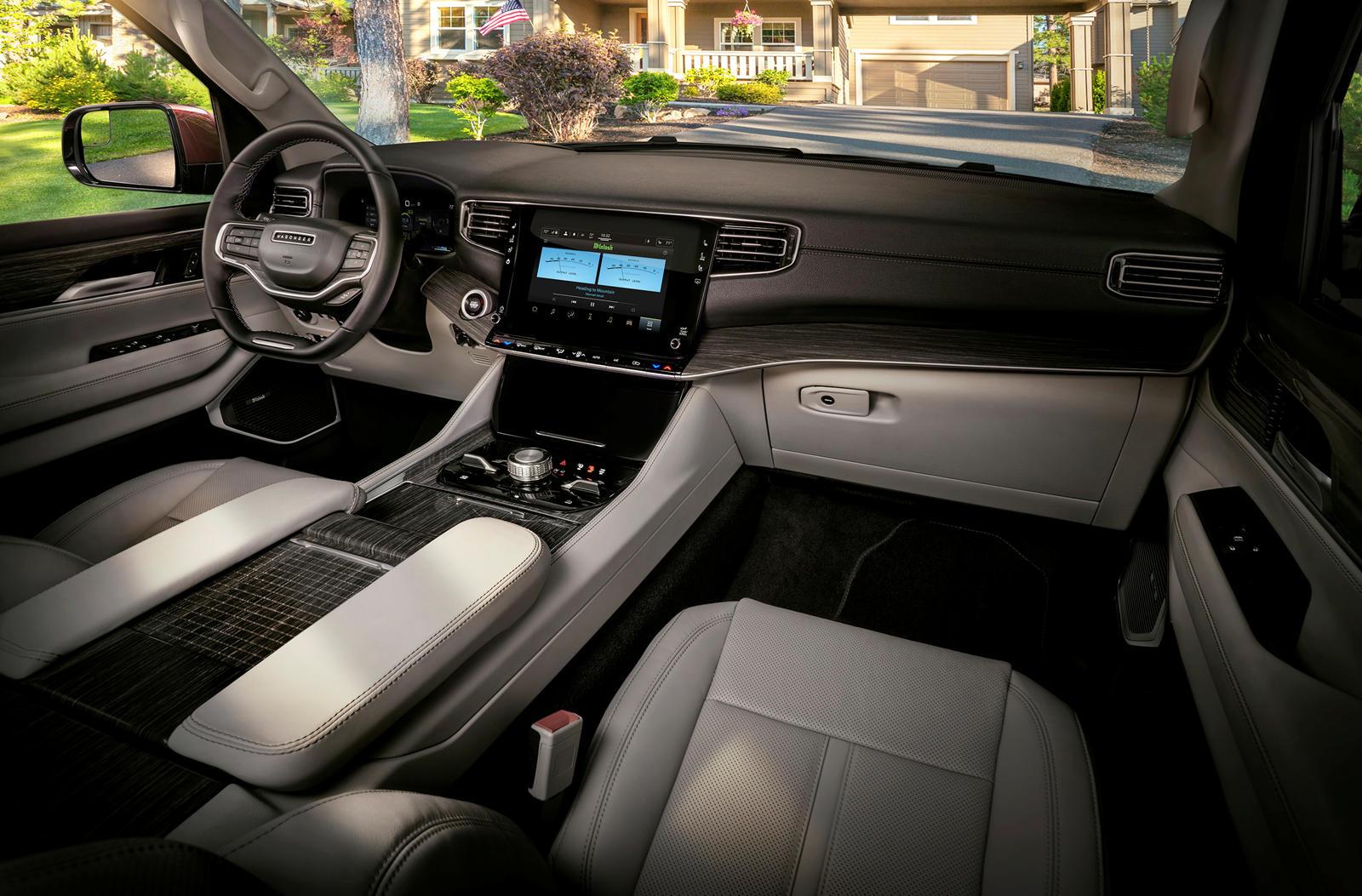Jeep-Wagoneer-2022 (24).jpg