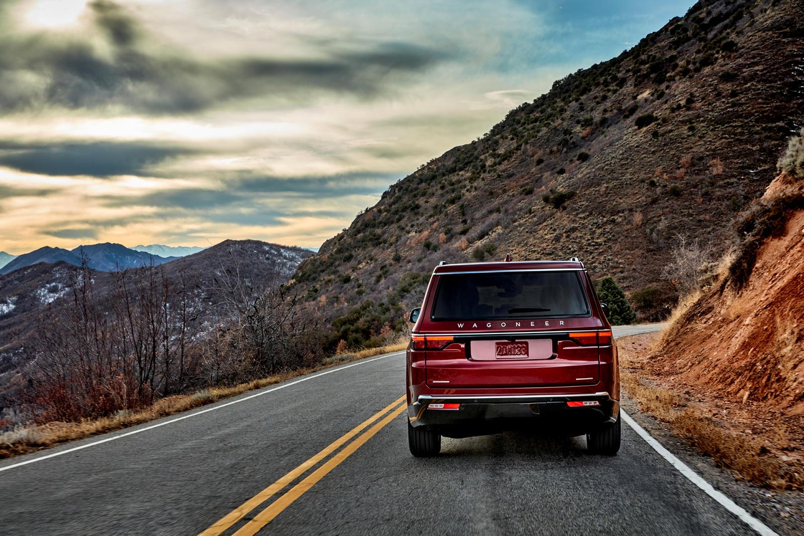 Jeep-Wagoneer-2022 (9).jpg