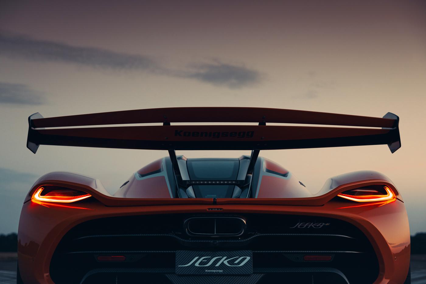 Koenigsegg-Jesko-thương-mại-đầu-tiên-xuất-xưởng (2).jpg