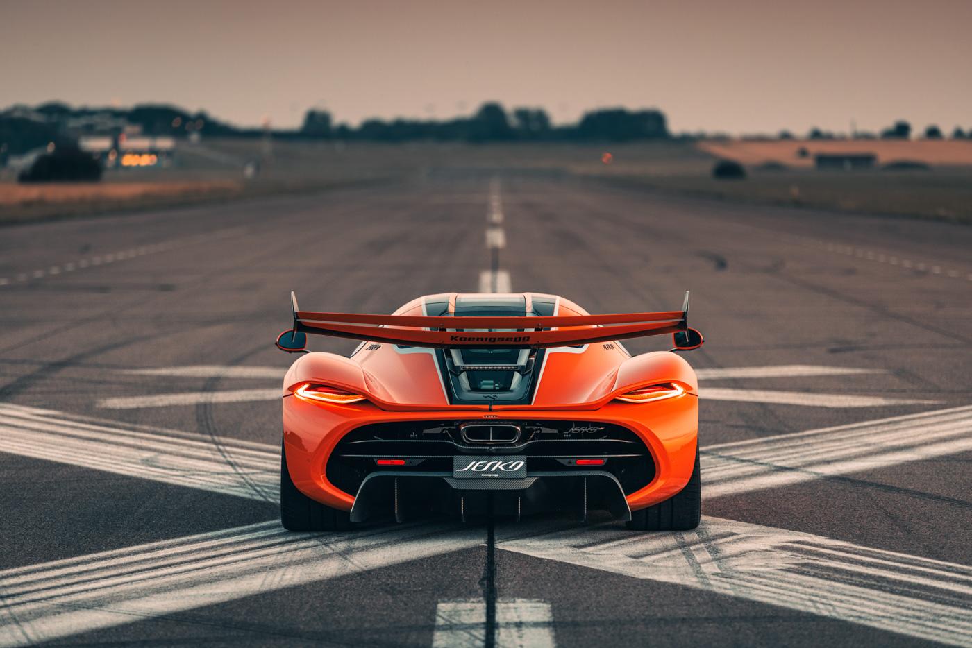 Koenigsegg-Jesko-thương-mại-đầu-tiên-xuất-xưởng (9).jpg
