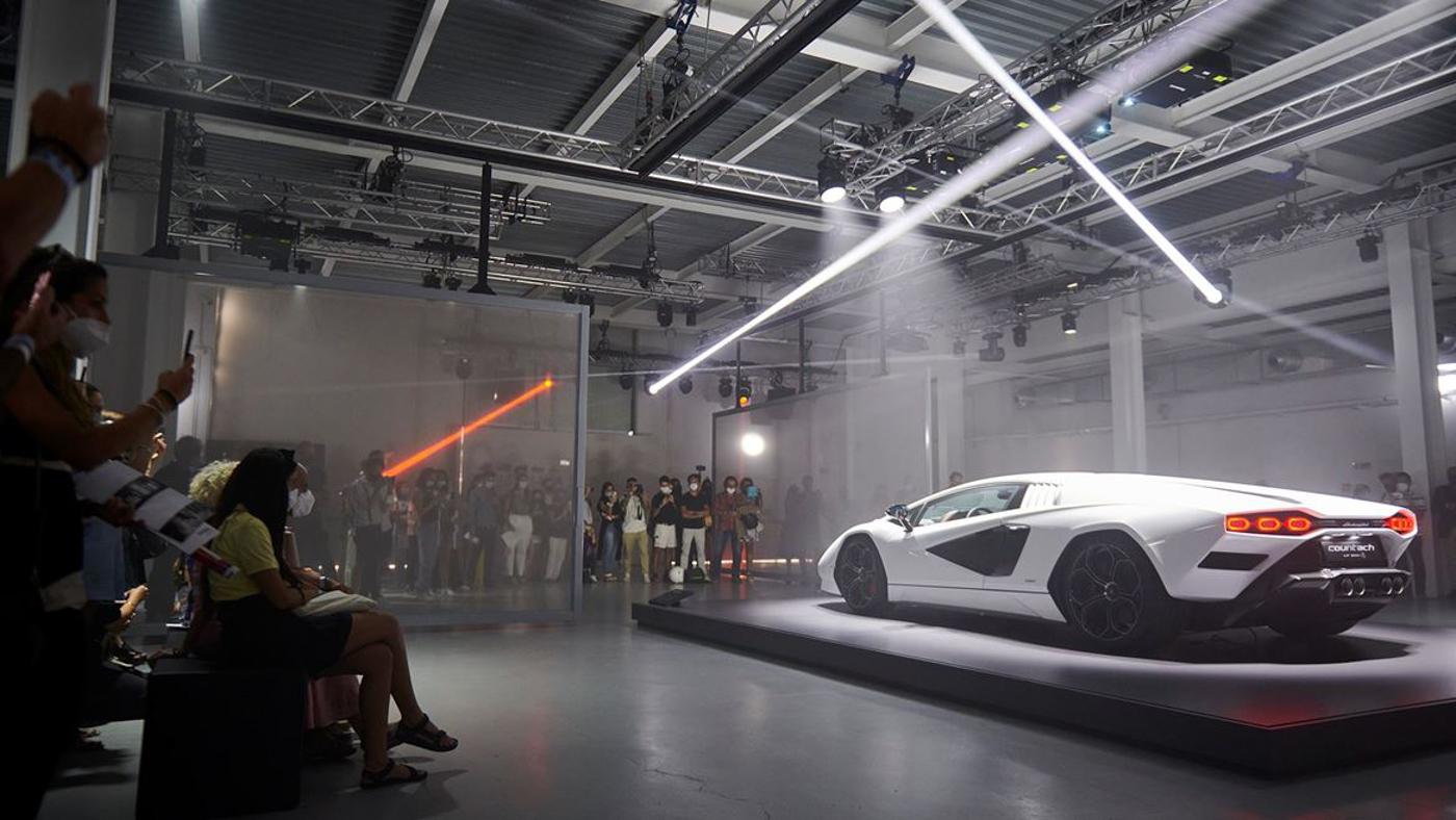 Lamborghini at Milan Design Week (12).JPG