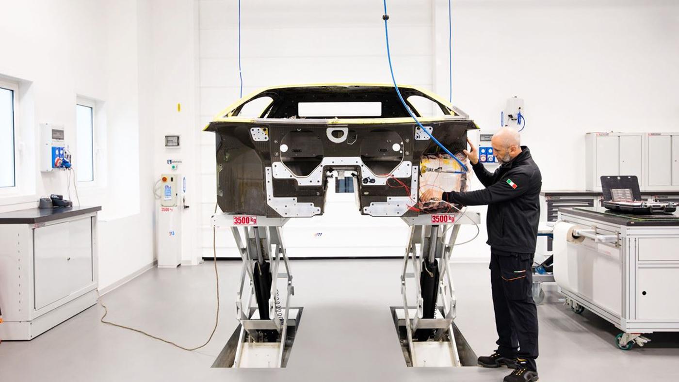 Lamborghini Carbon Composite (12).JPG