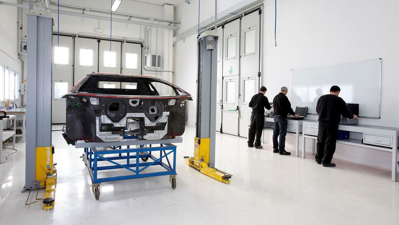Lamborghini Carbon Composite (14).JPG