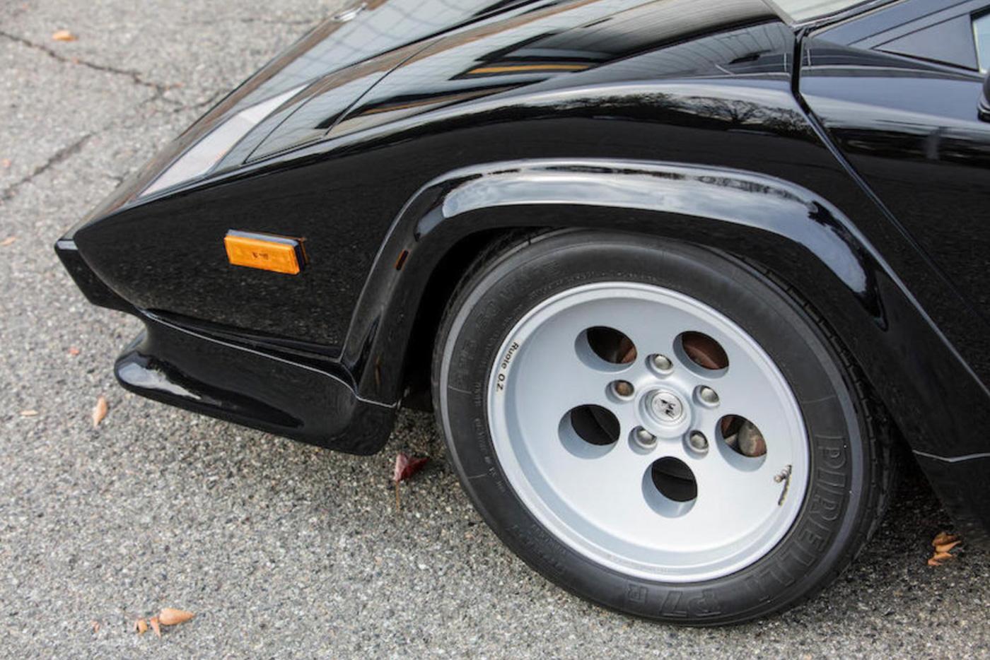 Lamborghini Pirelli (1)-2.JPG