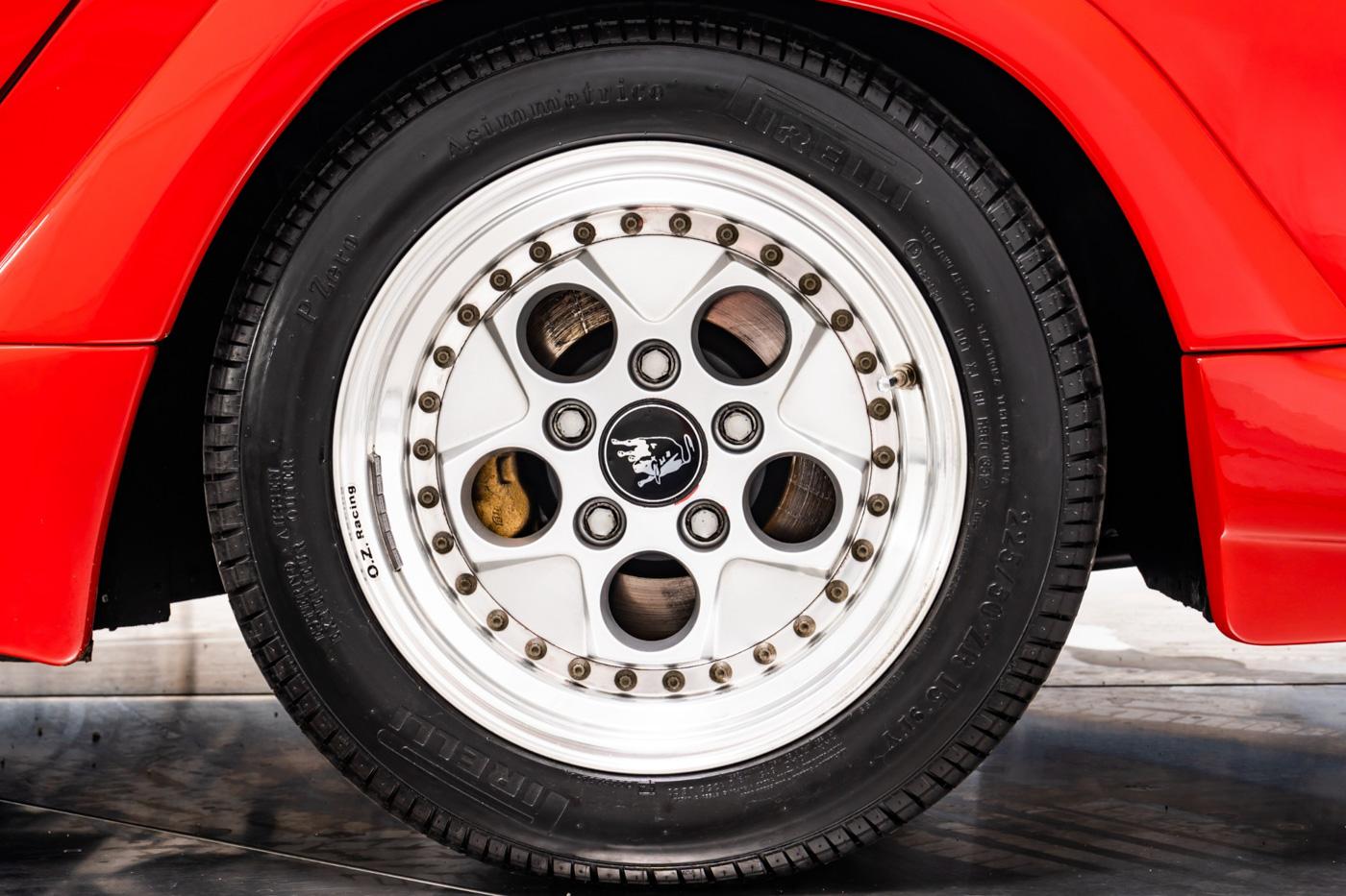 Lamborghini Pirelli (4).JPG