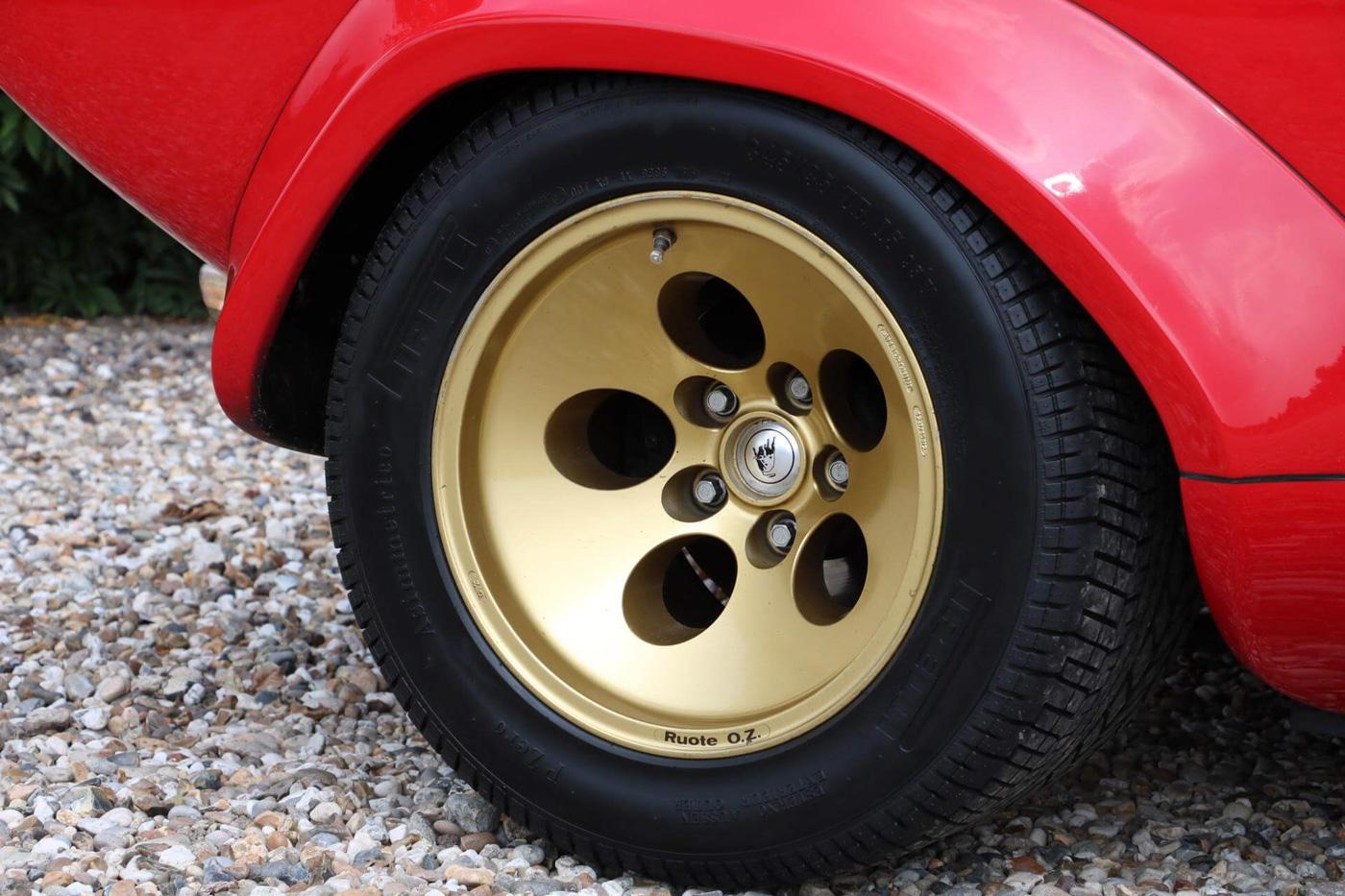 Lamborghini Pirelli (5).JPG