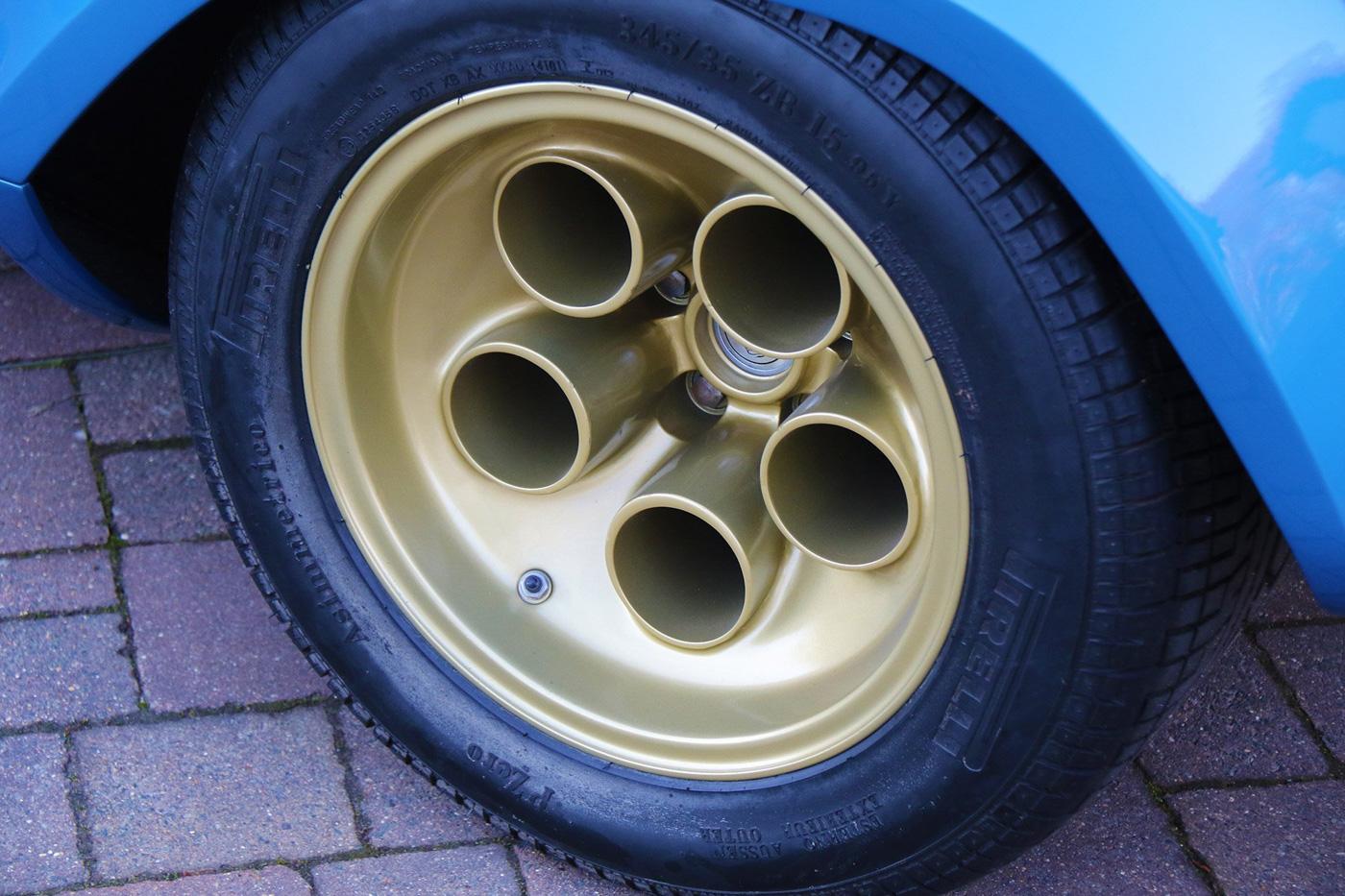 Lamborghini Pirelli (6).JPG