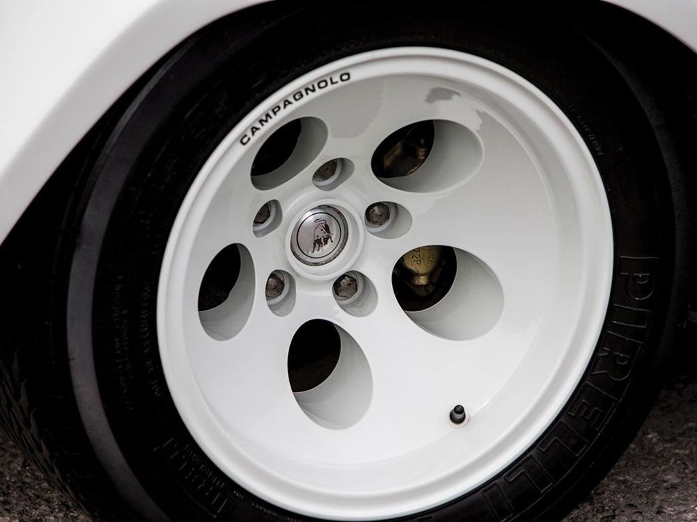 Lamborghini Pirelli.JPG