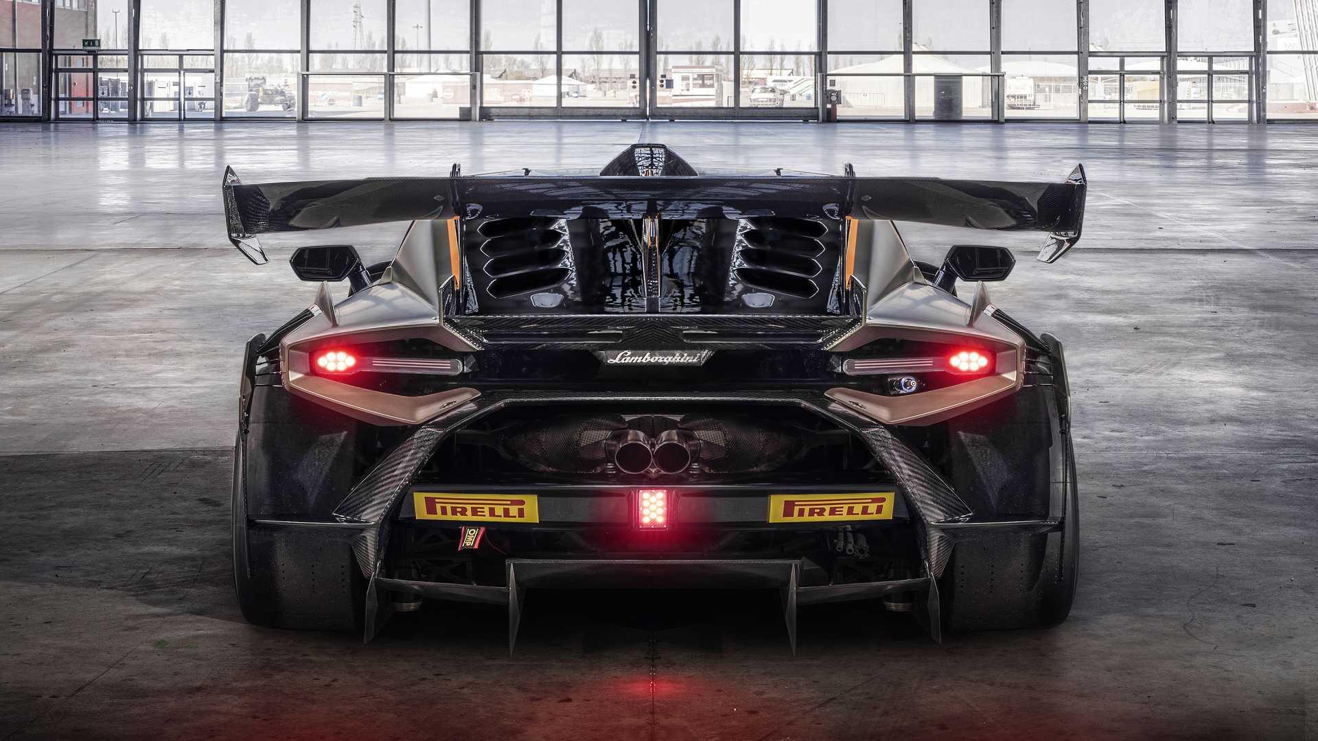 Lamborghini-trình-làng-xe-đua-Huracán-Super-Trofeo-EVO2 (12).jpg