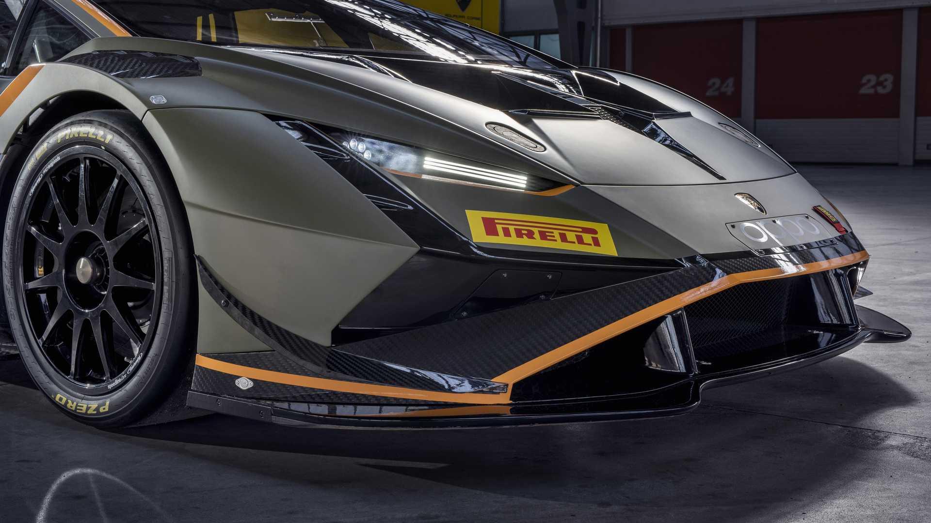 Lamborghini-trình-làng-xe-đua-Huracán-Super-Trofeo-EVO2 (4).jpg