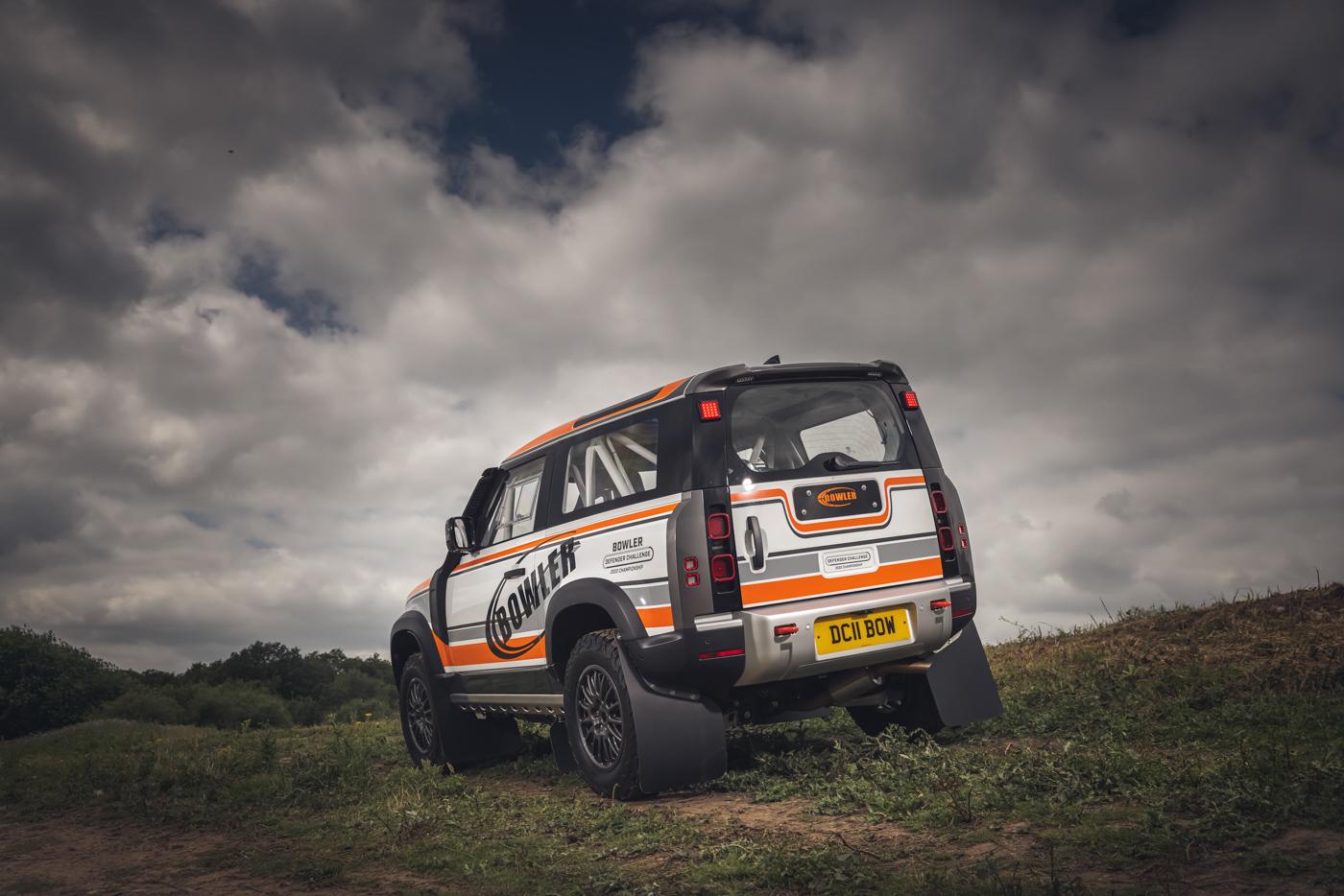 Land-Rover-hợp-tác-cùng-Bowler-ra-mắt-phiên-bản-đua-địa-hình-của-Defender-32.jpg
