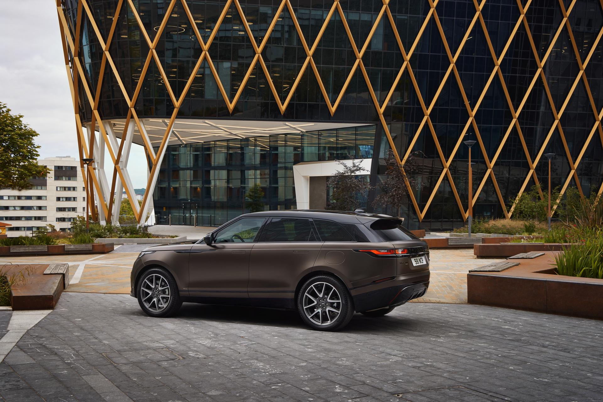 Land-Rover-ra-mắt-Range-Rover-Velar-2022-với-nhiều-nâng-cấp (10).jpg