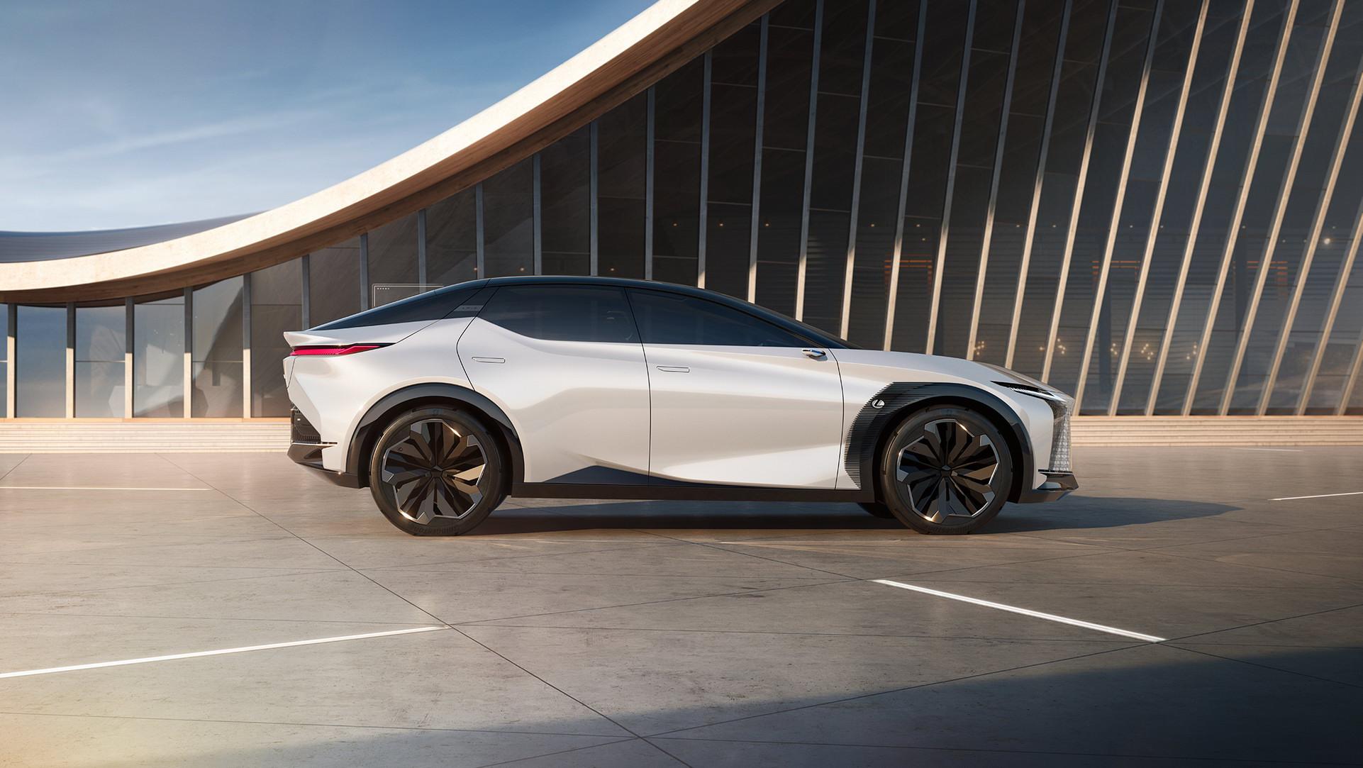 Lexus LF-Z Concept (1).jpg