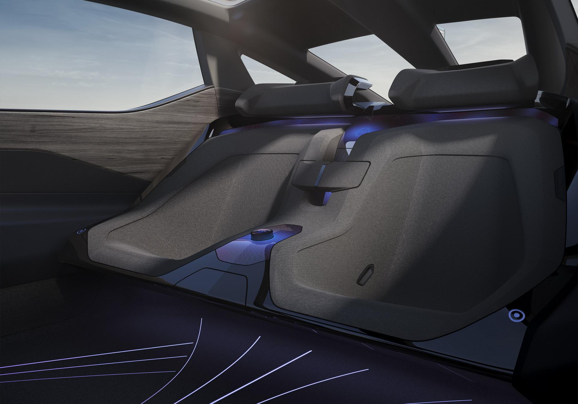 Lexus LF-Z Concept (11).jpg