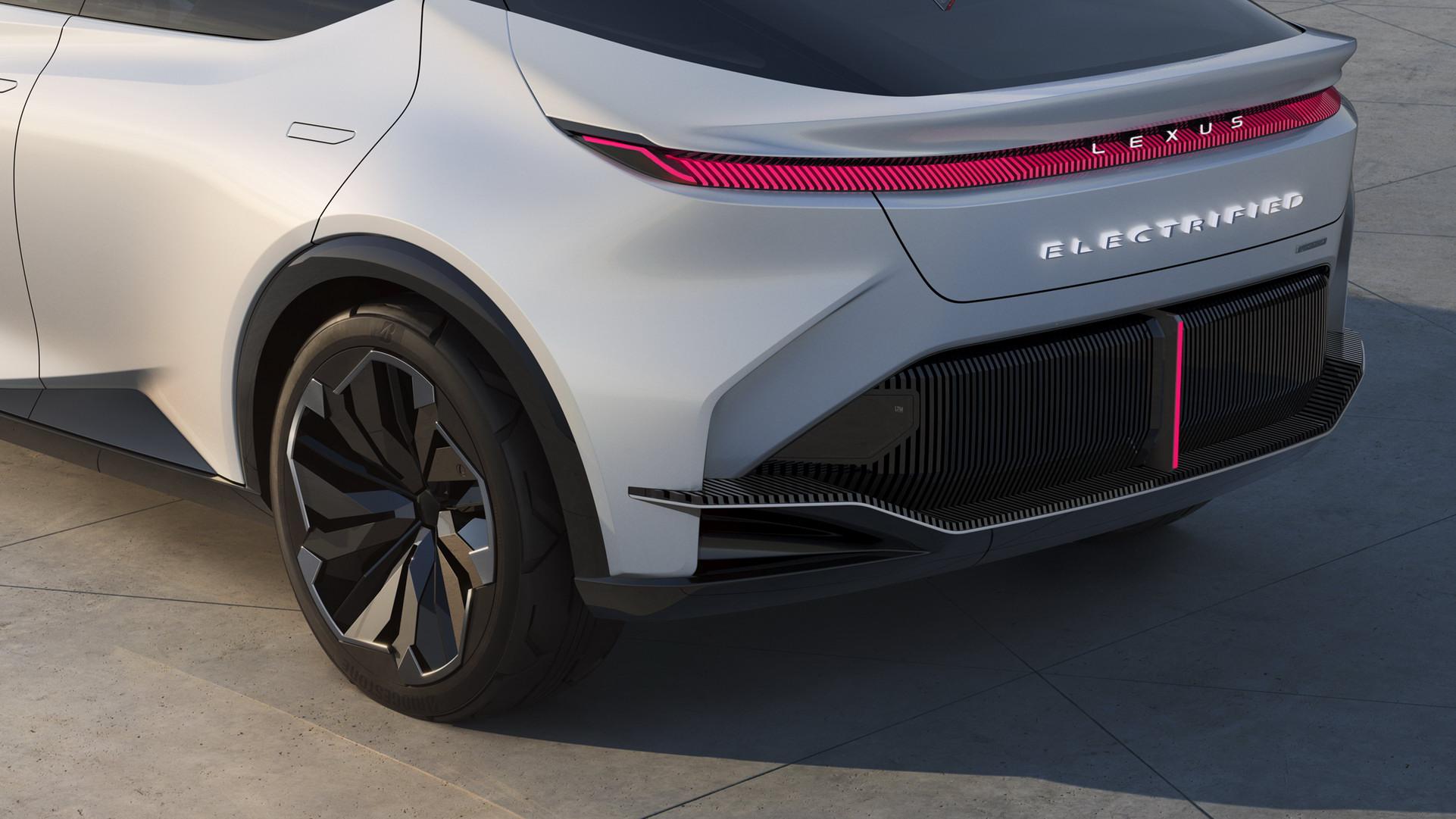 Lexus LF-Z Concept (14).jpg