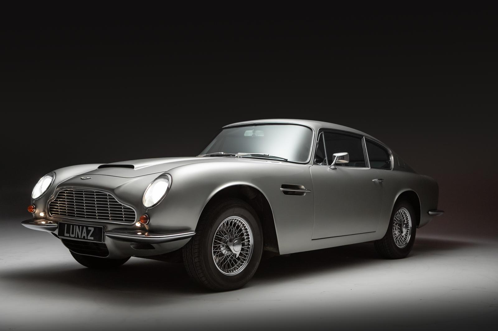 Lunaz Aston Martin DB6 (7).jpg