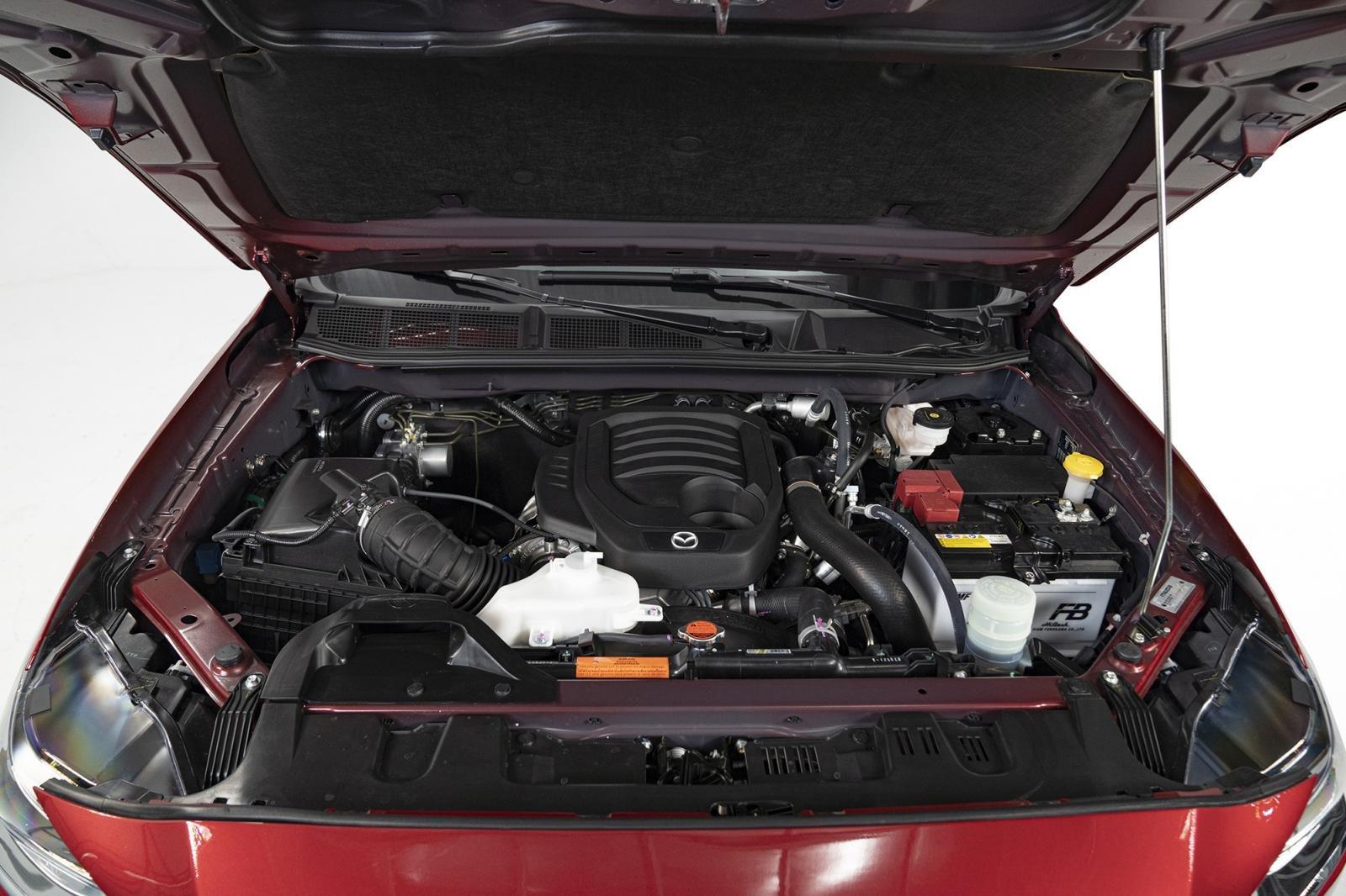 Mazda-BT50-2021-canh-tranh-ranger-hilux-triton-anh-15.jpg