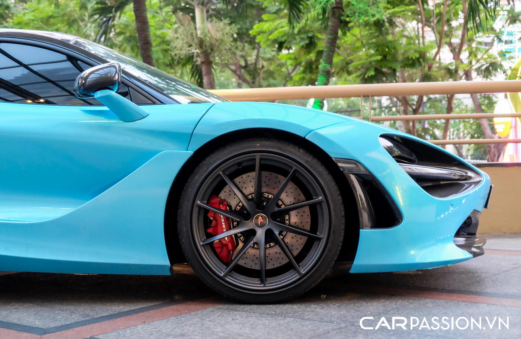 McLaren 720S màu xanh dương (8).JPG