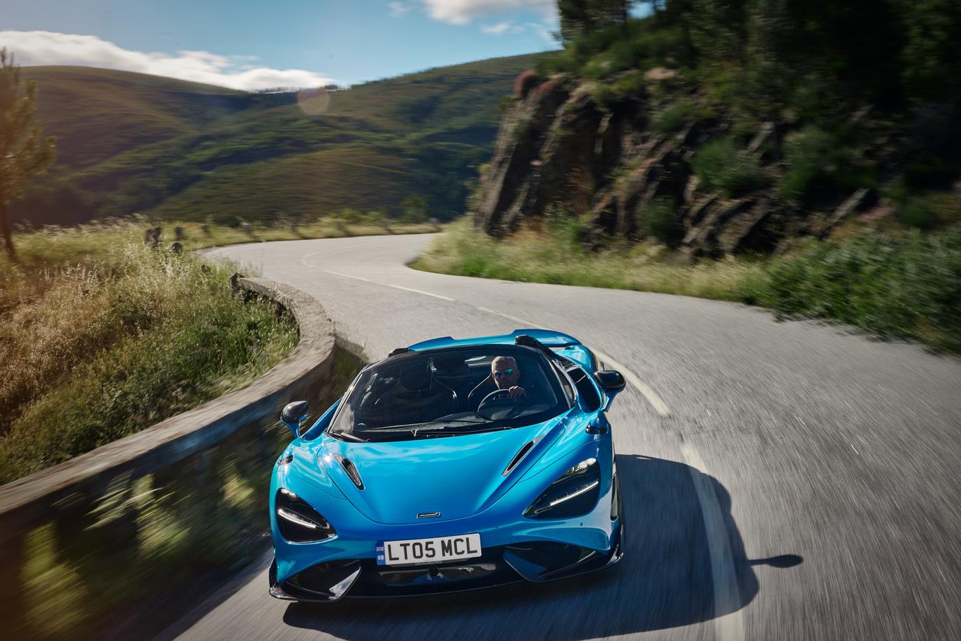 McLaren-765-LT-Spider-siêu-xe-mui-trần-hiệu-năng-cao-dẫn-đầu-phân-khúc-14.jpg