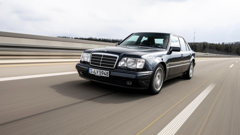 Mercedes 500E (2).JPG