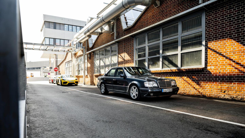 Mercedes 500E (3).JPG
